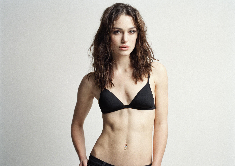 раньше, фото девушки с грудью нулевого размера секс видео общественном